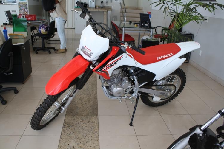 CRF 230 Branco