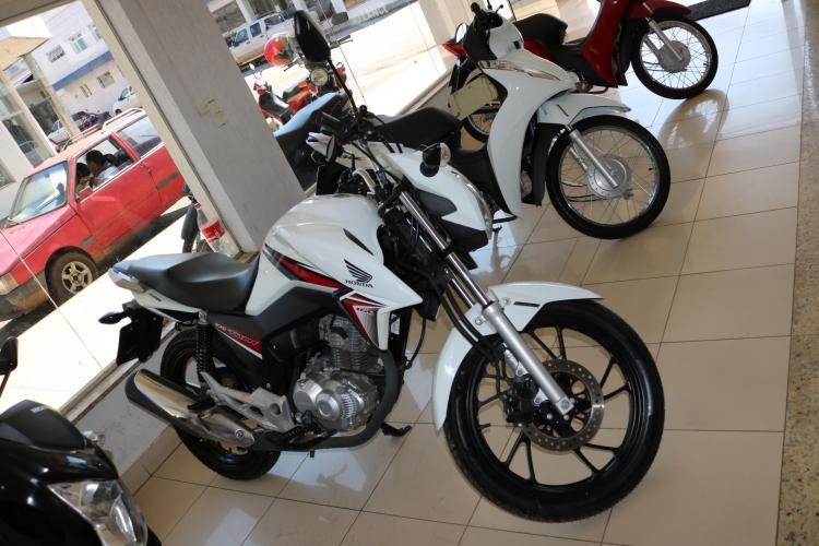 Titan 160 Branco 2015/16