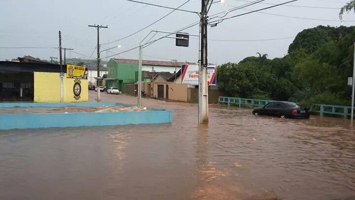 Resultado de imagem para enchente pirapitinga catalão